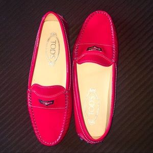NWOT GOMMINO TOD'S! Red Patent Leather 🍎 RARE!